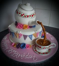 Teapot and cup cake.