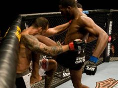 Jon Jones | Jon Jones seen here showcasing his unorthodox, crowd-pleasing striking ...