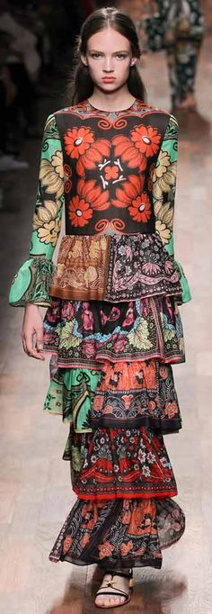 #Valentino S/S 2015 Milan Fashion Week Collection  #runway #milanFashionWeek #fahsionshow