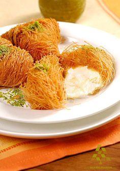Osmalieh with Ashta, bon appetit عثملية بالأشطة، تفضلو #WeAreLebanon #Lebanon