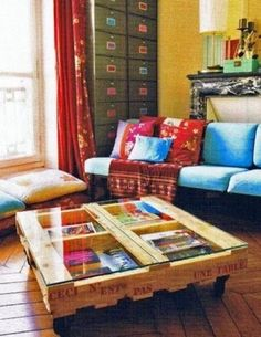 coffee table with glass of pallets and insight by iWood
