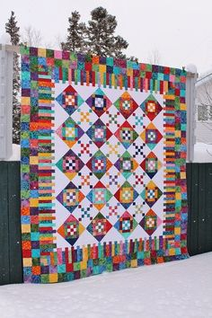 This is Lori's Diamond Dazzler quilt and it is a pattern by Glad Creations.