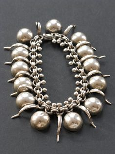 Mexican silver bracelet. This is a Want :) WOMEN'S JEWELRY http://amzn.to/2ljp5IH