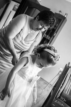 Na svadbe sú aj dôležitejší ľudia ako nevesta a tým sa treba náležite venovať :) Maroš Markovič Svadobný fotograf Statue, Sculpture