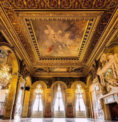 "versaillesadness:  ""Congratulations to @skude for this gorgeous picture taken in Paris City Hall 🏛️👑  .  .  #france #paris #art #architecture #palace #interior #gold #royal #luxury http://ift.tt/2ybFAtH  """