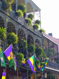 Laissez les bon temps rouler... Happy Fat Tuesday, Y'all! Also known as Mardi Gras or Shrove Tuesday, we celebrate this day before Ash Wednesday and Lent with gluttonous amounts of rich fatty food & drink. And if you're NOT one of the lucky millions in NOLA, spend the whole day vowing to be there next year! (Did You Know? Bourbon street store owners coat poles with vaseline to keep wild & rowdy revelers from climbing them?!)