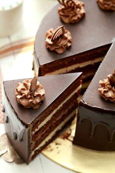 Kek Choc Indulgance bersama tips dan panduan - masam manis Fancy Desserts, Fancy Cakes, Just Desserts, Delicious Desserts, Easy Homemade Cookies, Homemade Cakes, Best Cake Recipes, Dessert Recipes, Cream Filling Recipe