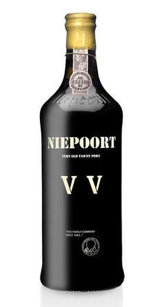 Vinho do Porto Niepoort VV Old Tawny Rum Bottle, Liquor Bottles, Creative Gourmet, Spirit Drink, Best Red Wine, Wine And Beer, Wine Labels, Congo, Packaging Design