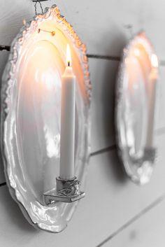 och mitt bidrag till söndagsbilden. Ett par ljuslampetter som lyser upp i mörkret. Fast inte hos mig utan hos en trevlig människa i Nor...