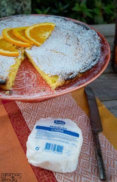 Tarte de Requeijão com Laranja e Amêndoas | 7gramas de ternura E Design, Camembert Cheese, Deserts, Paleo, Dairy, Sweets, Sweetest Thing, Food And Drink, Tarts