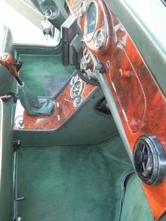 Vues sur l'intérieur Noyer & British Green de la MINI de M.V-Après montage des créations