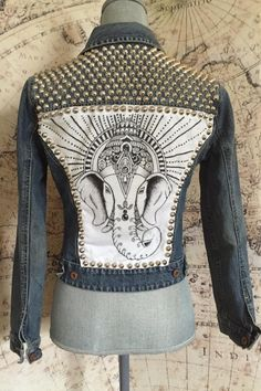 Custom Clothes, Diy Clothes, Denim Vintage, Studded Denim Jacket, Denim Art, Elephant Head, Painted Clothes, Ganesha, Denim Fashion