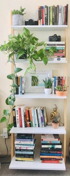 Leaning Bookshelf, Small Bookshelf, Bookshelf Styling, Bookshelf Ideas, Bookshelf Organization, Books On Shelves, Diy Bookshelf Design, Floating Bookshelves, Organization Ideas