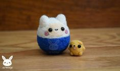 Commissioned by someone on Etsy ♥ I love making miniatures so much. They always end up cuter than my other dolls due to their size >___< It . Felted Mini Finn And Jake Needle Felted Animals, Felt Animals, Wet Felting, Needle Felting, Fin And Jake, Felting Tutorials, Candy Corn, Felt Crafts, Wool Felt