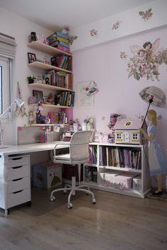 Eleni's bookcase by www.mydreamroom.gr