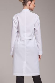 66 ideas medical doctor outfit fashion lab coats for 2019 Scrubs Outfit, Scrubs Uniform, Healthcare Uniforms, Doctor Scrubs, White Lab Coat, Lab Coats, Medical Scrubs, Outfit Trends, Blouse Dress