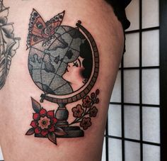 Traditional flower and globe tattoo Traditional Tattoo Globe, Traditional Tattoo Flowers, Traditional Ink, Traditional Tattoo Flash, American Traditional, Time Tattoos, Body Art Tattoos, New Tattoos, Cool Tattoos