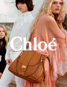 A Versace convocou para sua campanha de Verão 2016 um time de peso  Gigi  Hadid, Raquel Zimmermann e Natasha Poly posam para as lentes de … 555763e88a