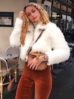 Fur Jackets, Model Pictures, Fur Coat, Velvet, Casual, Fashion, Cuddling, Moda, Fashion Styles