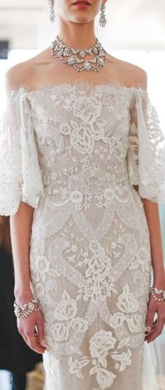 Our highlights from Marchesa Spring 2017 Bridal. Best Prom Dresses, Prom Dresses For Sale, Gala Dresses, Dress Outfits, Bridesmaid Dresses, Bridal Gowns, Wedding Gowns, 2017 Wedding, 2017 Bridal