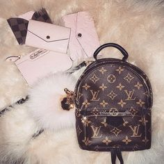 Womens Fashion New LV Collection For Louis Vuitton . - Womens Fashion New LV Collection For Louis Vuitton Handbags You are in th - Handbags Michael Kors, Luxury Handbags, Louis Vuitton Handbags, Tote Handbags, Purses And Handbags, Designer Handbags, Cheap Handbags, Designer Bags, Spring Handbags