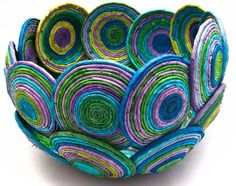 Super news paper art diy ideas The Effective Pictures We Offer You About easy crafting Recycled Paper Crafts, Newspaper Crafts, Recycled Magazine Crafts, Paper Crafts Magazine, Paper Jewelry, Paper Beads, Rolled Paper Art, Fabric Bowls, Paper Weaving