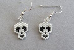 Tiny Skull Earrings in delica seed beads by DsBeadedCrochetedEtc Skull Earrings, Seed Bead Earrings, Beaded Earrings, Beaded Jewelry, Seed Beads, Jewellery, Halloween Beads, Halloween Jewelry, Holiday Jewelry