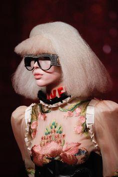 Gucci Spring 2017 Ready-to-Wear Collection Photos - Vogue Fashion Week, Fashion Brand, Runway Fashion, Womens Fashion, Gucci Fashion, Red Fashion, Milan Fashion, Zuhair Murad, Elie Saab