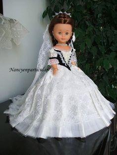 Nancy en particular Nancy Doll, Doll Making Tutorials, America Girl, Bride Dolls, Wellie Wishers, Girl Doll Clothes, Vintage Dolls, Doll Patterns, Marie