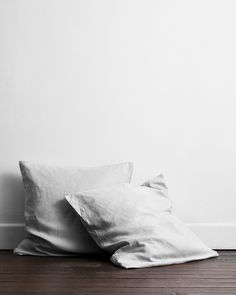 Natural and breathable, relaxed yet refined, these flax linen European pillowcases effortlessly elevate any space.