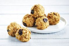 Start with cereal and add extra raisins to create these delicious Peanut Butter Snack Bites with Raisins. This easy-to-make recipe is sure to become your family's new favourite snack.