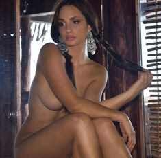 Ramblings of a Semi-Mad Man: Welcome Back Former Hottie of the Day Rosie Roff Princess Photo, Sexy, Daily Pictures, Brown Hair Colors, Instagram Models, Eye Color, Amazing Women, Beautiful Women, Maine