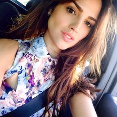 a gallery of photos of Eiza Gonzalez Perfect Body Motivation, Beautiful Celebrities, Beautiful Women, Skinny Face, Mexican Actress, Celebrity Photography, Female Character Inspiration, Hair Color And Cut, Tips Belleza