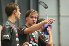 Anjo Urner und Severin Baumann besprechen Spielzüge Sports, Angels, Hs Sports, Excercise, Sport, Exercise