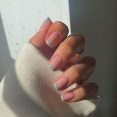 Short French Tip Nails, French Tip Acrylic Nails, Short Square Acrylic Nails, Cute Acrylic Nails, Square Nails, Nail Art Cute, Cute Nails, Stylish Nails, Trendy Nails