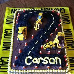 Heavy equipment birthday cake.....if I didn't have only girls, this would be the cake my boy would get!