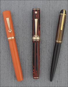 Several Wahl fountain pens: Wahl Signature Pen in red hard rubber (ca. 1925), Wahl Eversharp DecoBand in rosewood rubber (ca. 1929) and Eversharp Skyline Executive (ca. 1943). ©Penarte.com