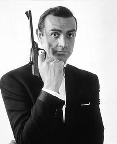Ein Mann ohne Waffe, was ist das schon? Du 22 mai au 10 juin : suivez le compte Orange France + Ré-épinglez la photo en mentionnant #OrangeCineday James Bond © Sean Connery