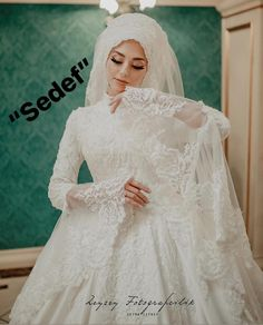"""Sedef"" ŞIKLIĞI SEVEN GELİNLERİMİZE 😉 . Bu güzel f… ""Mother-of-pearl E to our brides who love elegance 😉. What do you think? This beautiful photo; Hijabi Wedding, Hijab Wedding Dresses, Bridesmaid Dresses, Dress Wedding, Hair Wedding, Dresses Elegant, Most Beautiful Dresses, Bridal Hijab, Muslim Brides"