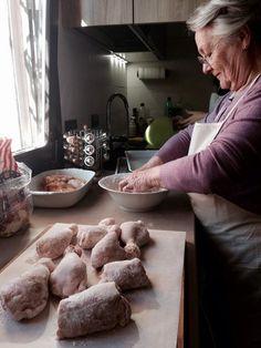 Twitter / @turismoER: #APranzoconTER #Bologna @nonnarenata71 infarina il pollo, che va soffritto prima di essere unito alla peperonata