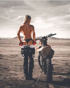 @oliviapaladin #bike #motorcycle #girl #beauty #beach #sea #saintmotors #saint_motors #in_motors_we_trust