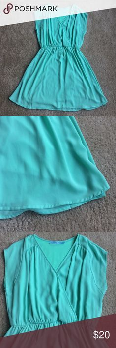 Mint green dress From Francesca's. Fun flowy dress. Hits right above the knee. Francesca's Collections Dresses