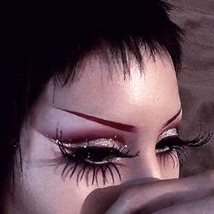 Punk Makeup, Edgy Makeup, Makeup Eye Looks, Unique Makeup, Gothic Makeup, Grunge Makeup, Makeup Goals, Creative Makeup, Pretty Makeup