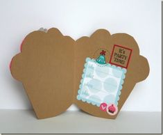 How to make own cupcake invitation.