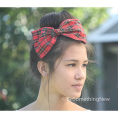 Red Plaid Hair Bow in Vintage Fabric Women Hair Accessory School Girl... (68 BRL) ❤ liked on Polyvore featuring accessories, hair accessories, hair, barrettes & clips, grey, bow hair clips, hair bow, wide comb, red hair accessories and long hair combs