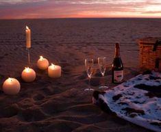 Romantic Picnics, Romantic Beach, Romantic Night, Romantic Dates, Romantic Dinners, Romantic Ideas, Beach Romance, Romantic Couples, Romantic Camping
