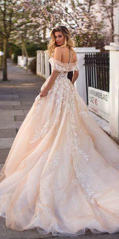 Boho Wedding DressesSweetheart Appliques Lace Off the Shoulder Backless Princess Wedding Gowns Dubai Bride Dress Western Wedding Dresses, Dream Wedding Dresses, Bridal Dresses, Unique Wedding Gowns, Luxury Wedding Dress, Dresses Dresses, Trendy Wedding, Couture Wedding Gowns, Couture Bridal