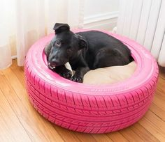 21 Genius Diy Ways To Reuse And Recycle Old Tires 21 Genius DIY Ways To Reuse And Recycle Old Tires upcycled decor ideas - Upcycled Home Decor Diy Pet, Diy Dog Bed, Upcycled Home Decor, Repurposed Items, Recycled Crafts, Diy Crafts, Recycler Diy, Tire Craft, Reuse Old Tires