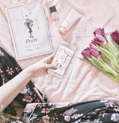 This is how I've spent my Saturday, sat on my bed in my pyjamas scrolling through Instagram and chilling out 🌷 what have you guys got up to today? 🌷 these jarmies are from Primark but don't they look so high end? . #flatlay #fblogger #bblogger #discoverunder1k #discoverunder2k #discoverunder5k #discoverunder10k #discoverunder100k #ltkstyletip #primark #kiko #pink #ukbloggers #girlystyle #blogginggals #ltkunder50 #ltkunder100 #bed #flowers #flatlayinspo