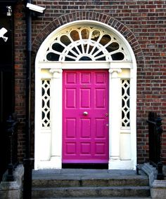 8 bright, unusual colors you should consider painting your front door
